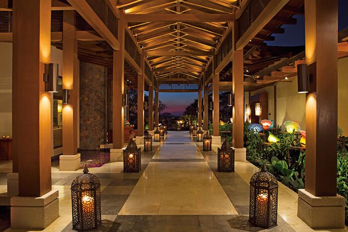 lobby area the the dreams las mareas in costa rica
