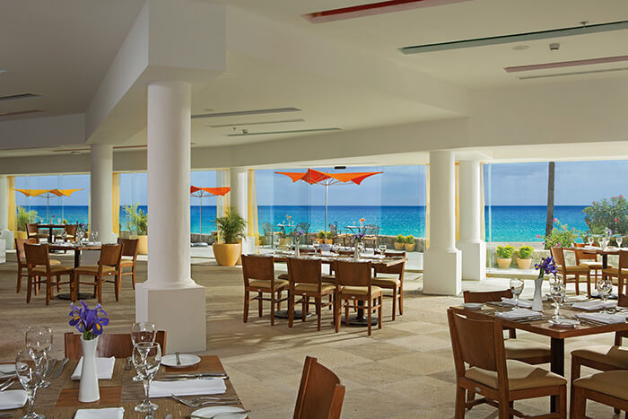 ocean view restaurant at the Dreams Los Cabos