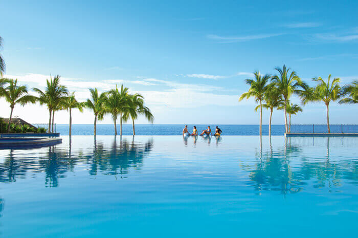 infinity pool at the Dreams Los Cabos