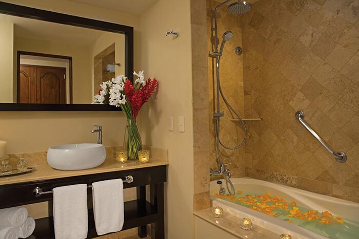 bathroom area in the junior suite at the Dreams Los Cabos