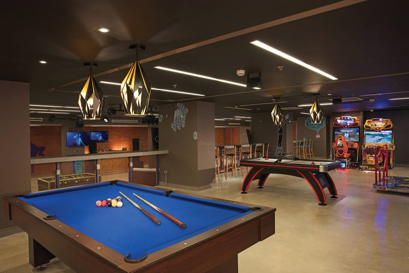 teen's club area with pool table at the Dreams Playa Mujeres