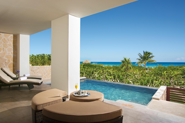 swim up ocean view room terrace at the secrets playa mujeres