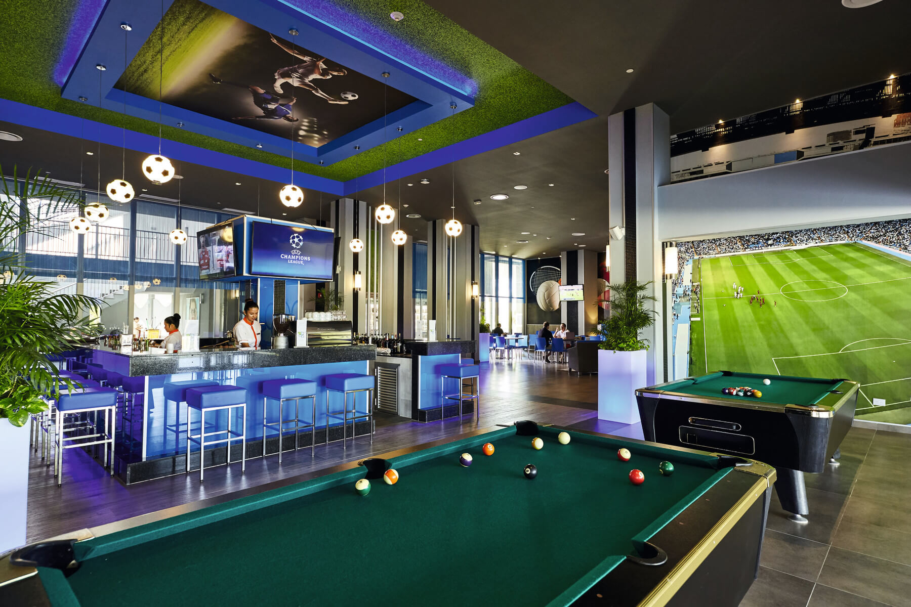 sport bar with pool tables at the riu dunamar in costa mujeres