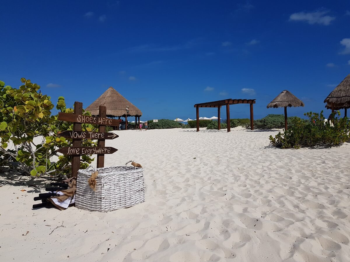 beach wedding gazebo area dreams playa mujeres