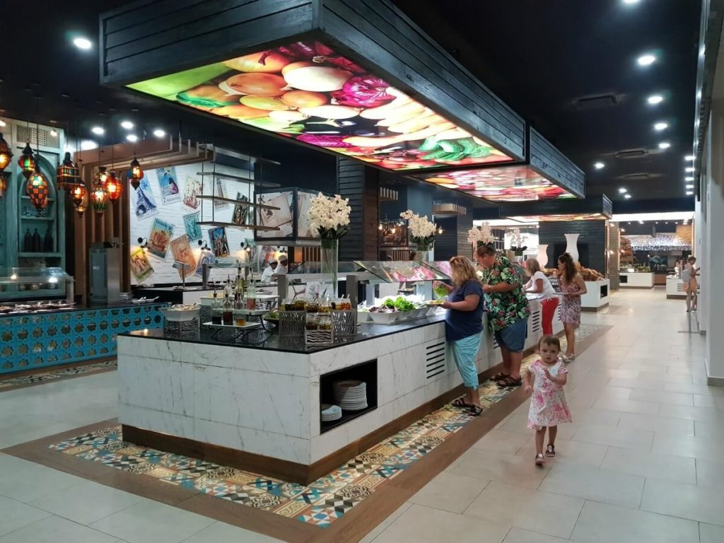 main buffet area at sandos playacar