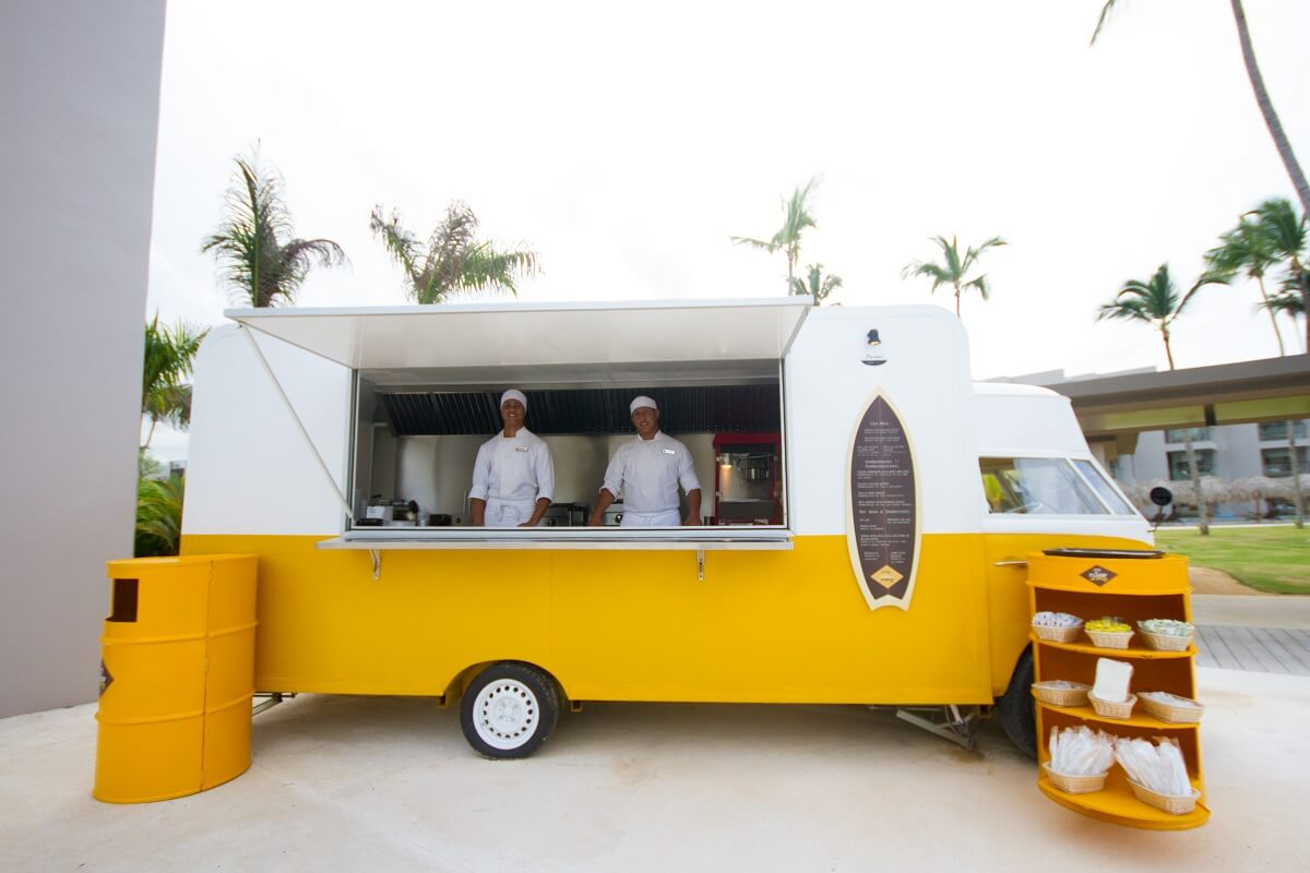 food truck for snacks Excellence Playa Mujeres