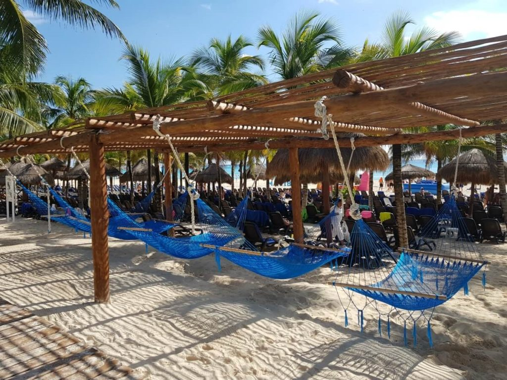 hammock area at the select beach club
