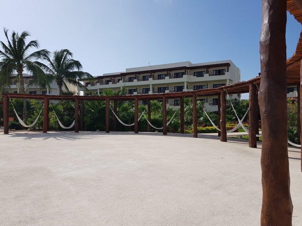 oceana terrace used for weddings at secrets maroma