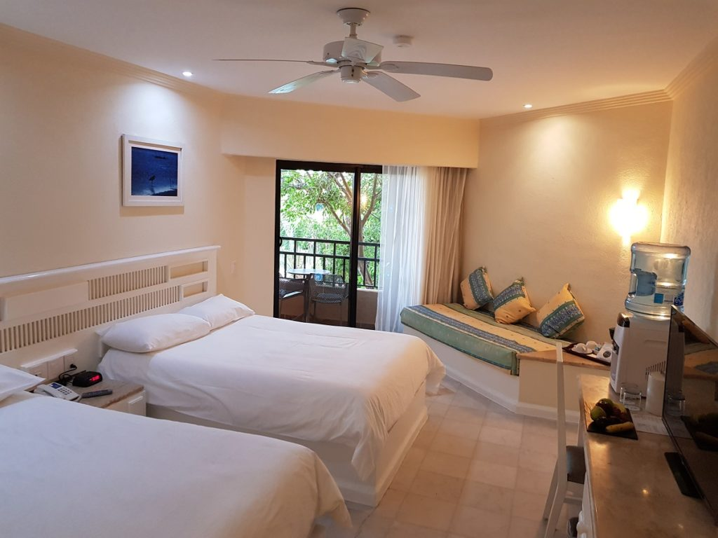 select club double room