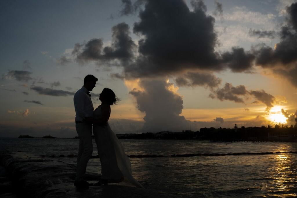 newlywed sunset photoshoot