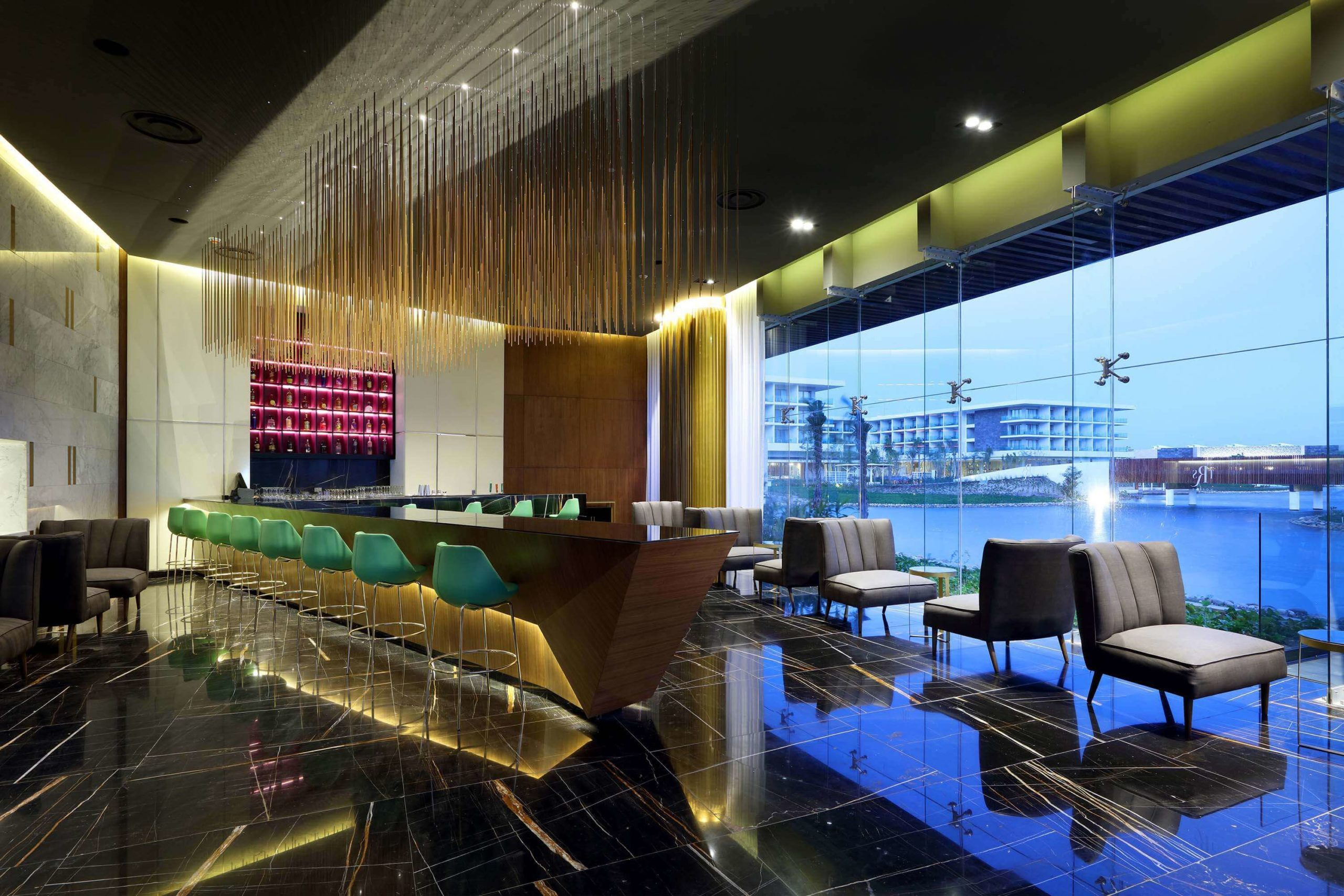 lobby bar TRS Coral Costa Mujeres