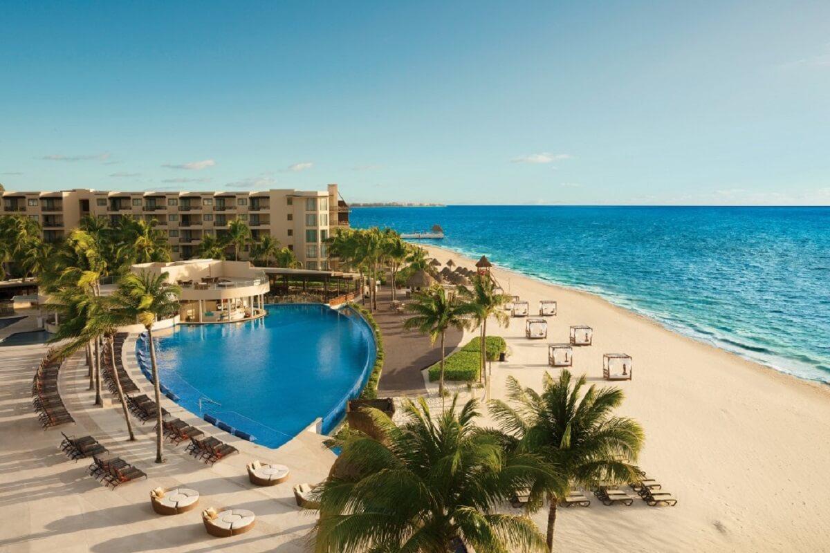 Panoramic Main Pool & beach views at dreams riviera cancun