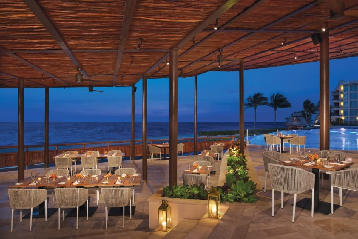 Seaside Grill-Exotic Grill with an oceanview