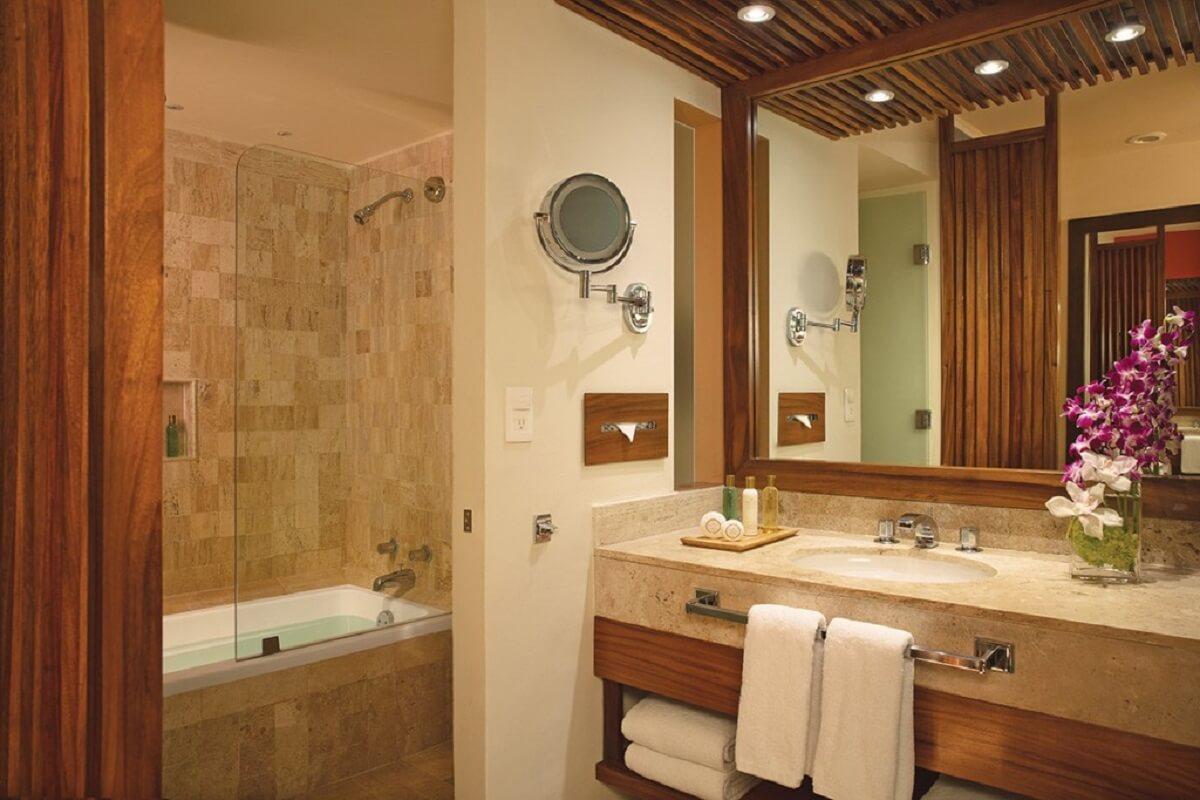 interior bathroom for all Preferred Club Ocean
