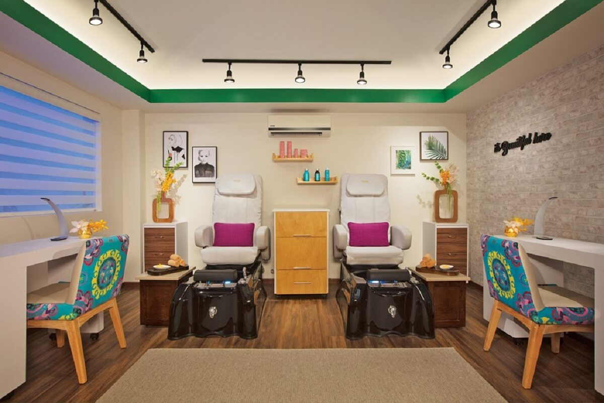 Beauty salon, manicure & pedicure stations for two people