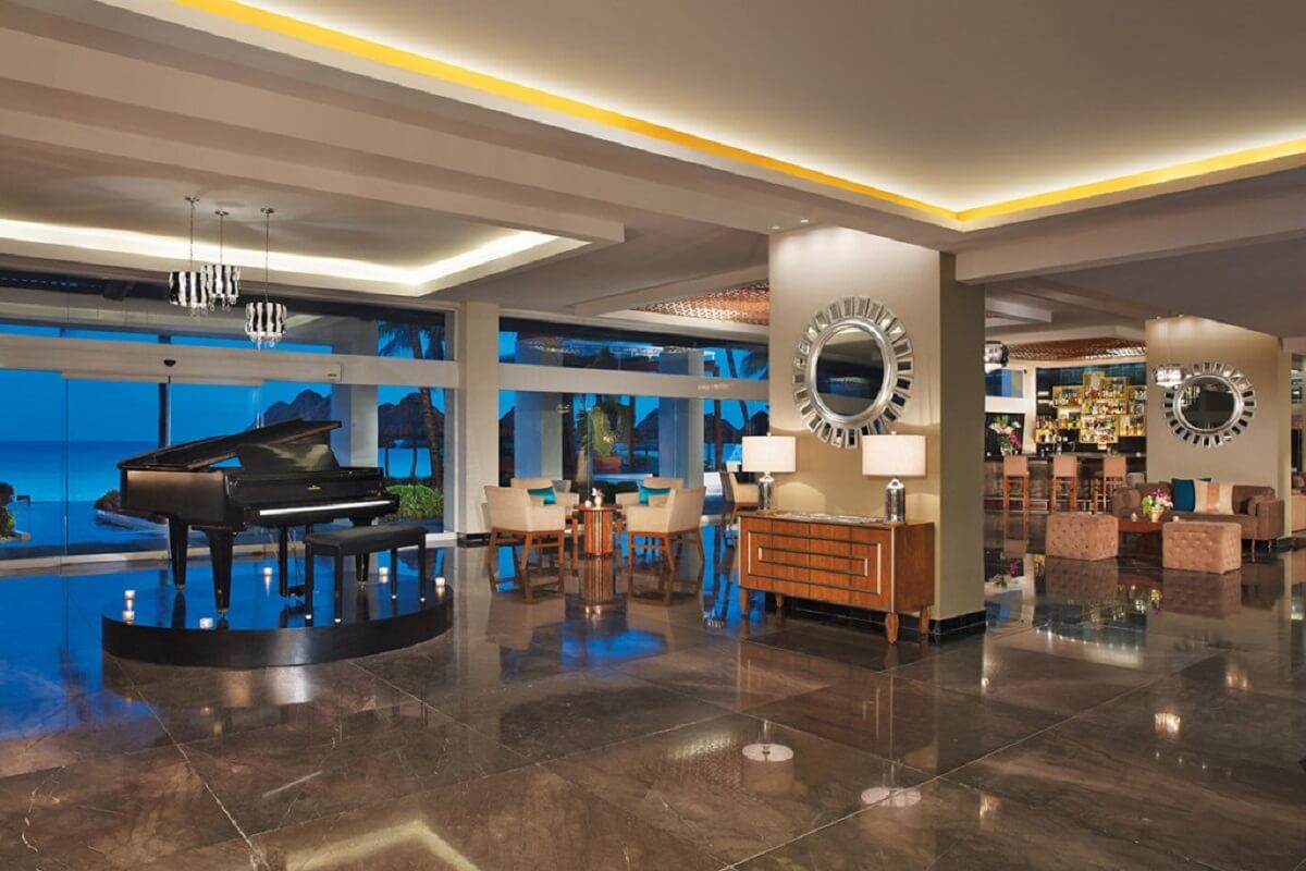 Lobby at the dreams sands