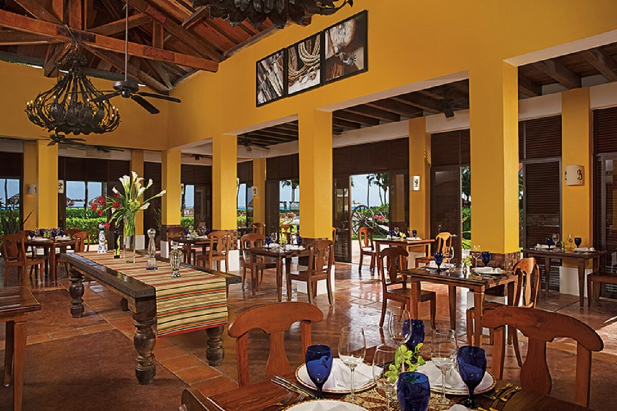 Mexican restaurant with an hacienda feel & yellow walls