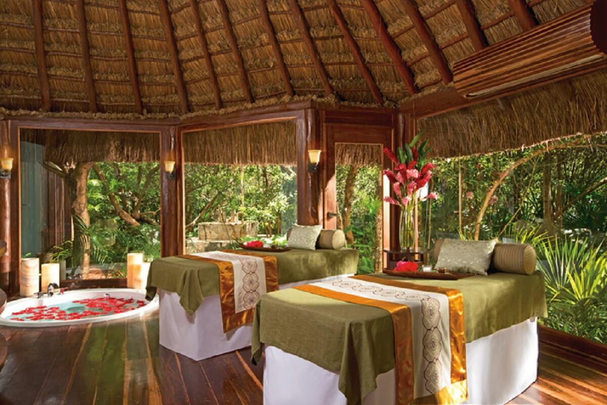 Rain Forest couple Massage Cabin
