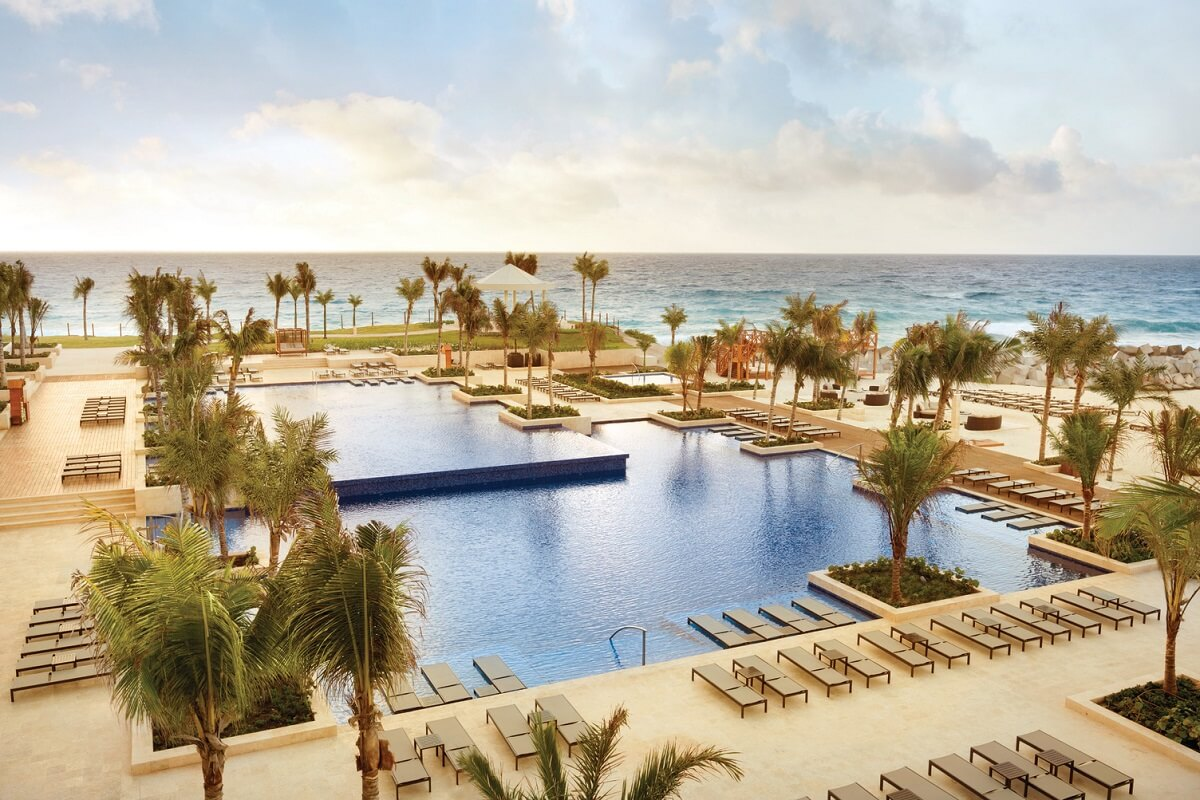 club area swimming pool hyatt ziva cancun