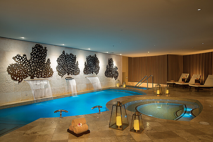 hydrotherapy area at now jade spa