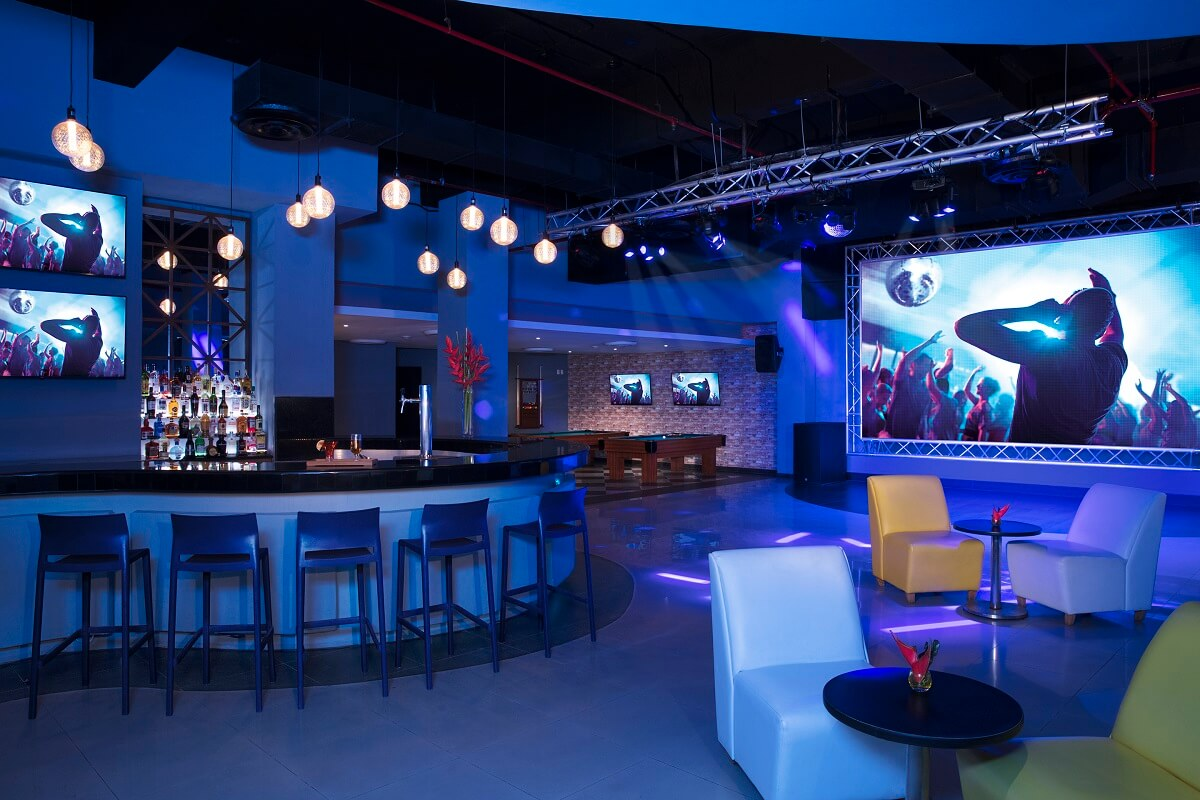 sports bar and nightclub at the now jade