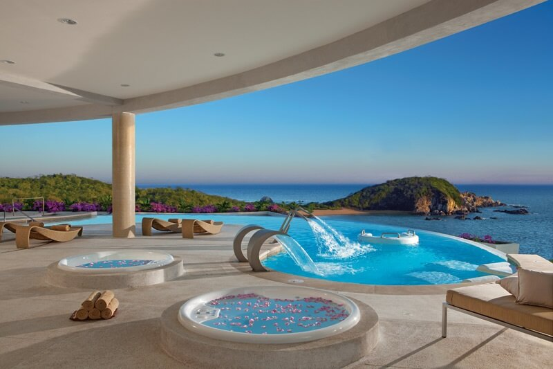 ocean view hydrotherapy pools at secrets huatulco
