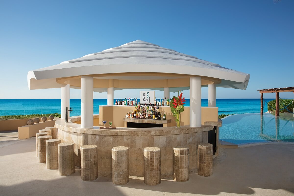 bar by the pool at now jade