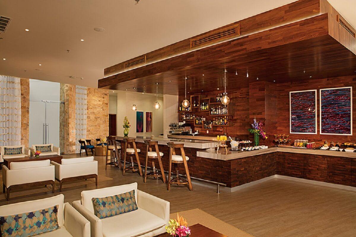 Xhale club lounge