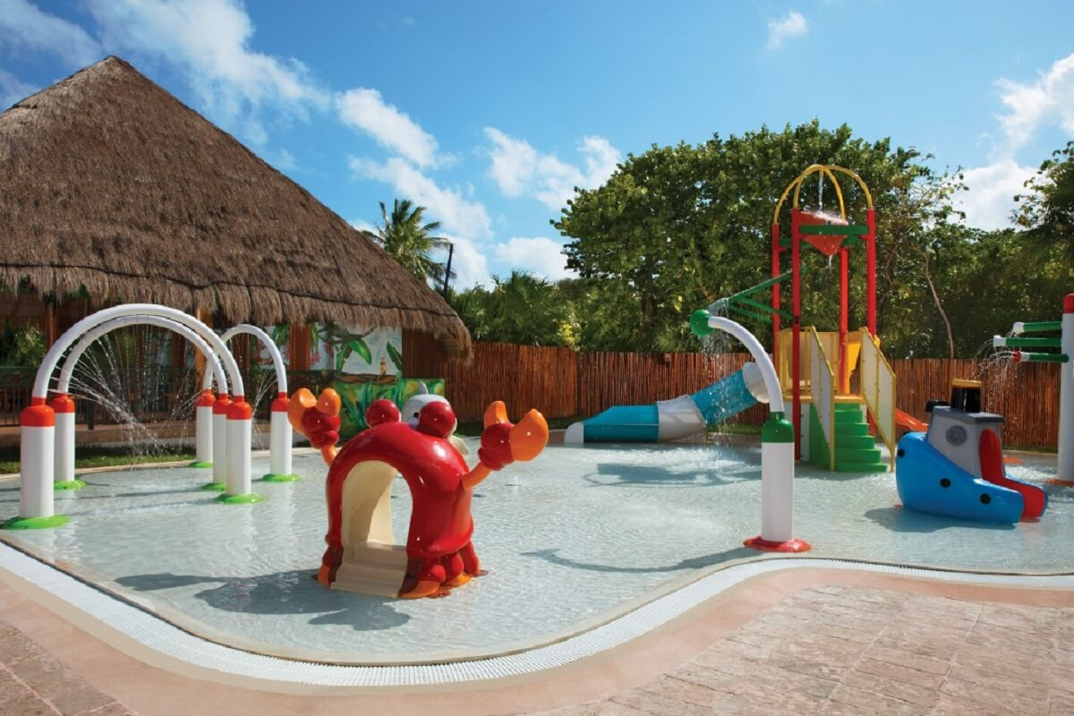 Water park for small kids at the now sapphire