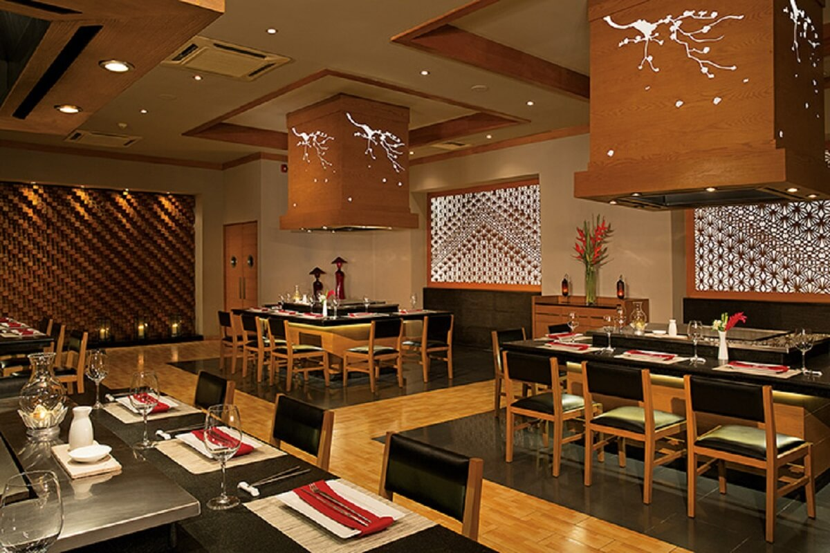 black and wood decorated Sushi restaurant