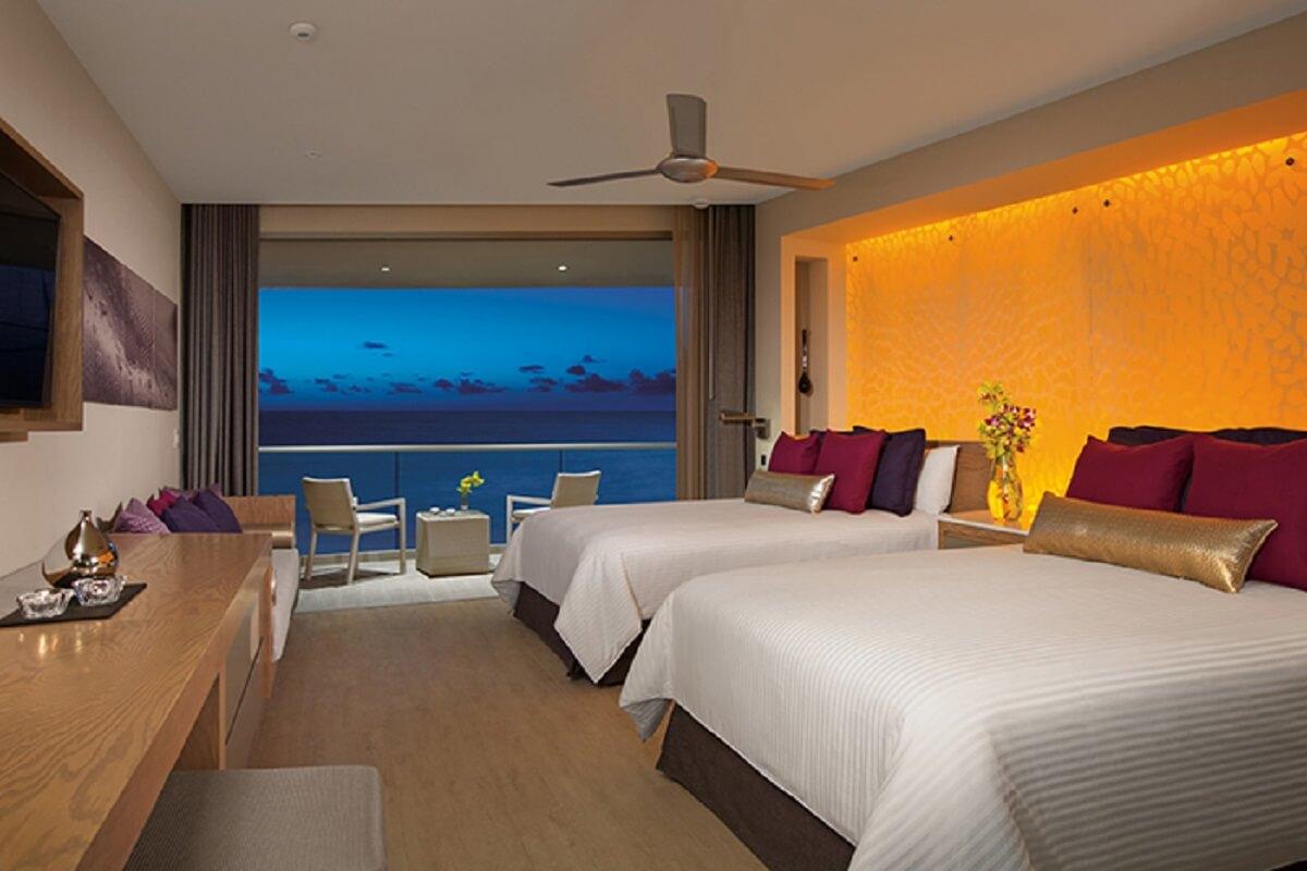 Double bed Junior Suite Ocean Front