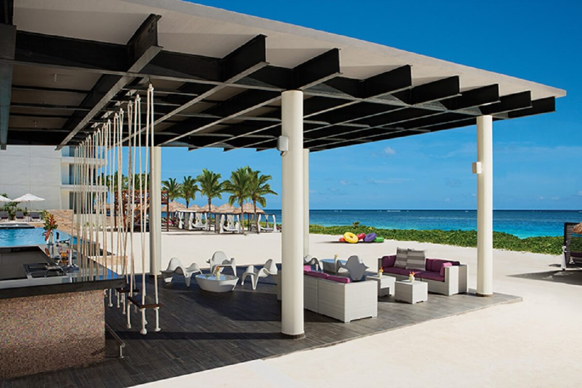 breathless riviera Cancun wedding - Foam Sea Side bar