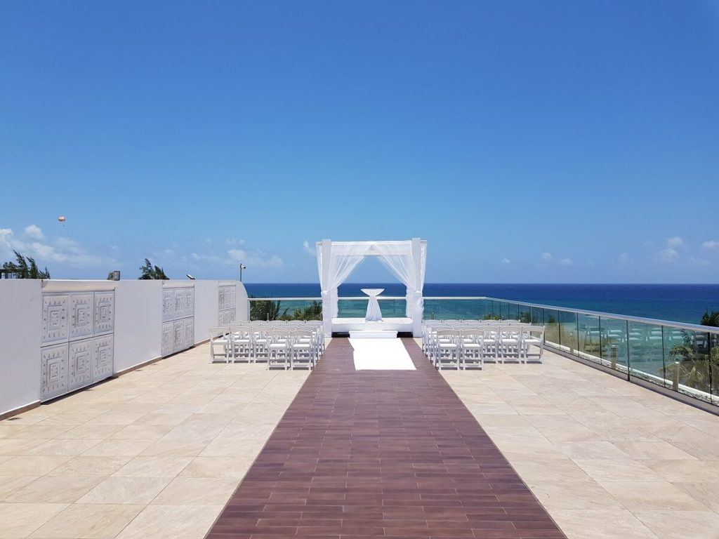 sky deck destination wedding venue the fives beach hotel