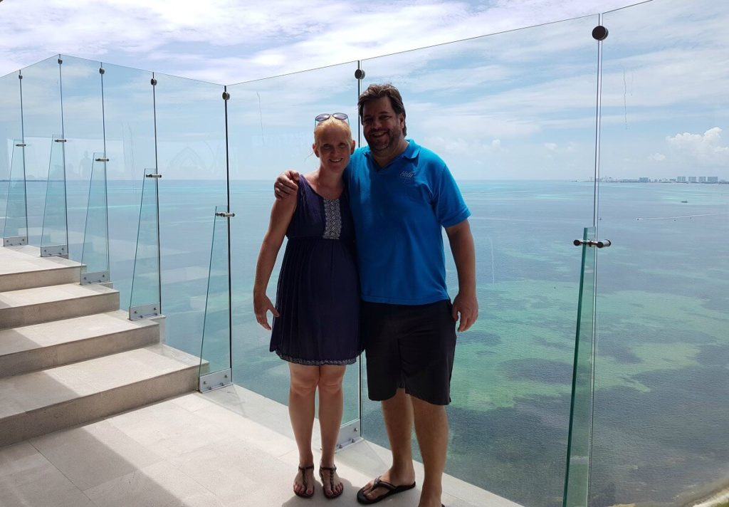 lisa wright and jeff lanno from hola weddings at dreams vista cancun